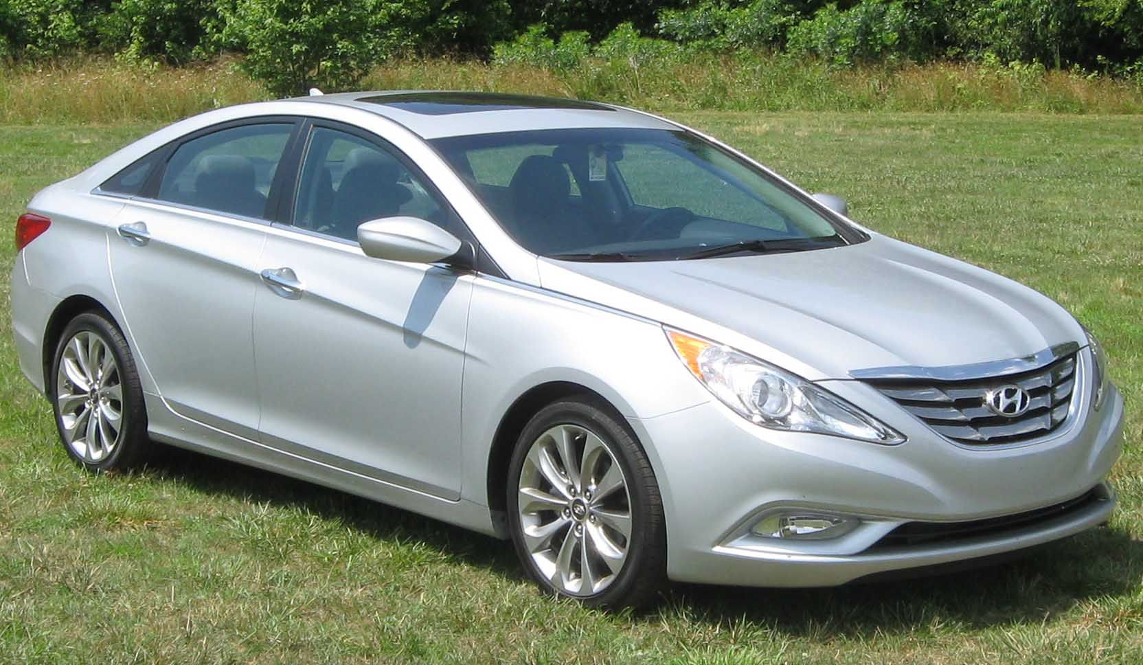 That is why 2016 Hyundai Sonata goes hybrid, so electrical engine could make nearly no noise. Also, plug-in variation is to be had to exchange present 2016 Hyundai Sonata in few US international locations with strict rules for emissions.