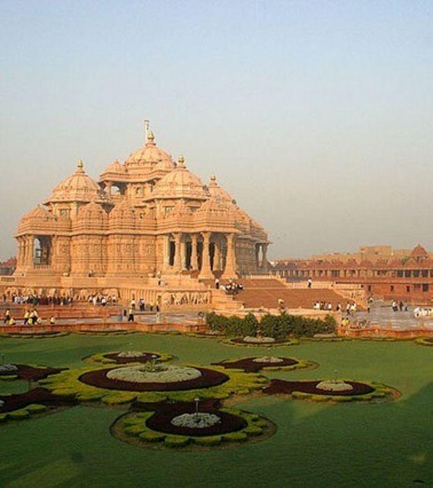 New Delhi, le Temple Akshardham et les jardins. Crédits photo : Gobinath Mallaiyan (Flickr)