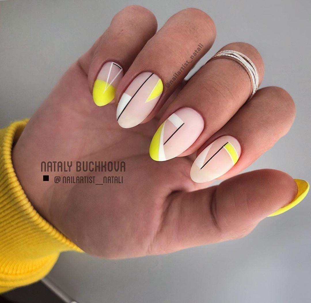 """МАНИКЮР✖️ОБУЧЕНИЕ✖️КОТЕЛЬНИКИ on Instagram: """"Геометрия на вуале◾️ И, как вы заметили, жёлтый цвет😀 Кстати о нем! Это #Diva222 Цвет желтка и яркого солнца. Такой приятный желтый…"""""""