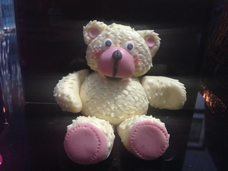 كيفية عمل دب أو دبدوب بواسطة عجينة السكر أو الفوندان Diy Fondant Bear Tutorial Fondant Tutorial Fondant Cakes Fondant