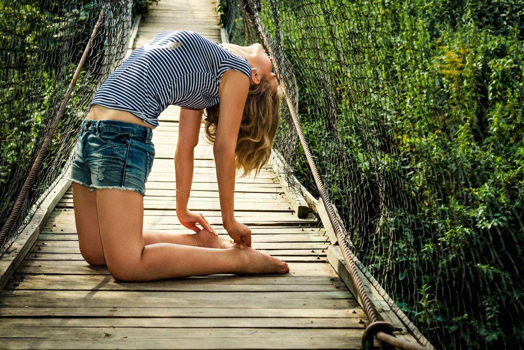 Девушку выебали на мосту