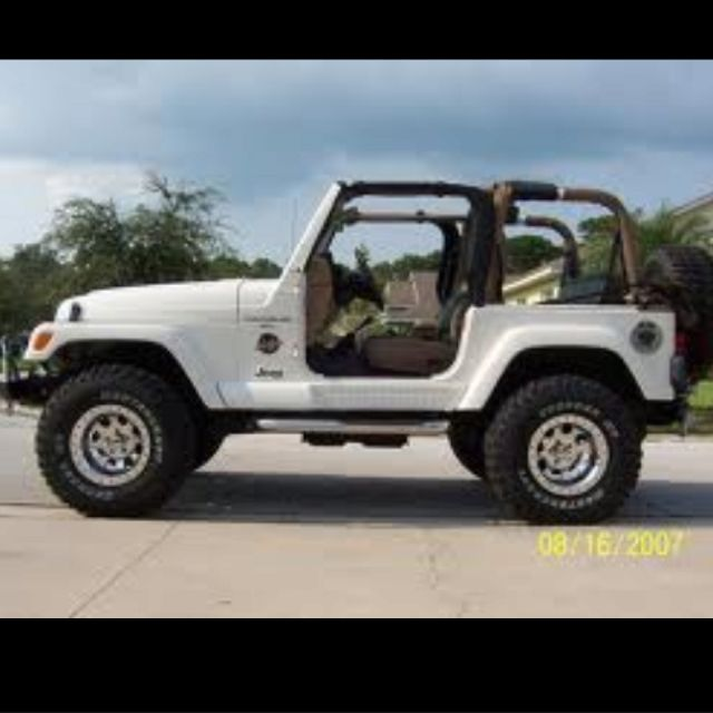 I Want A White One With Tan Interior One Day Dream Cars Jeep Jeep Wrangler White Jeep Wrangler