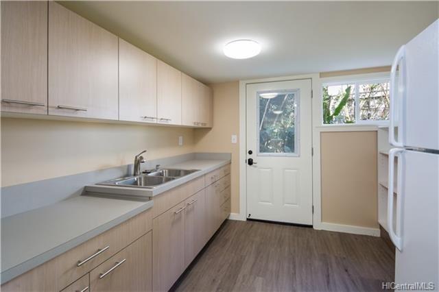 3001 Hoaloha Place | Oahu rentals, Kitchen cabinets, Home ...