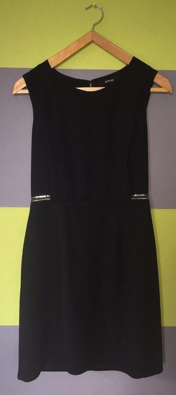 a681fadb85 Burton Et Vinted Noire Robes Robe Chic Pinterest Noires 4SRqwx