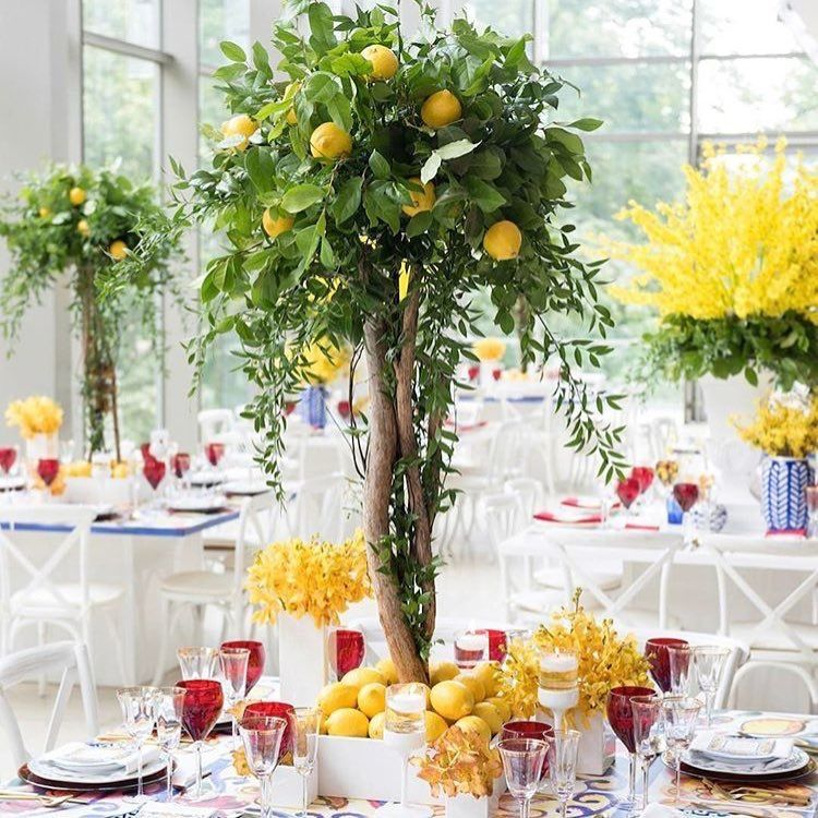 I Just Adore These Lemon Tree Centrepieces