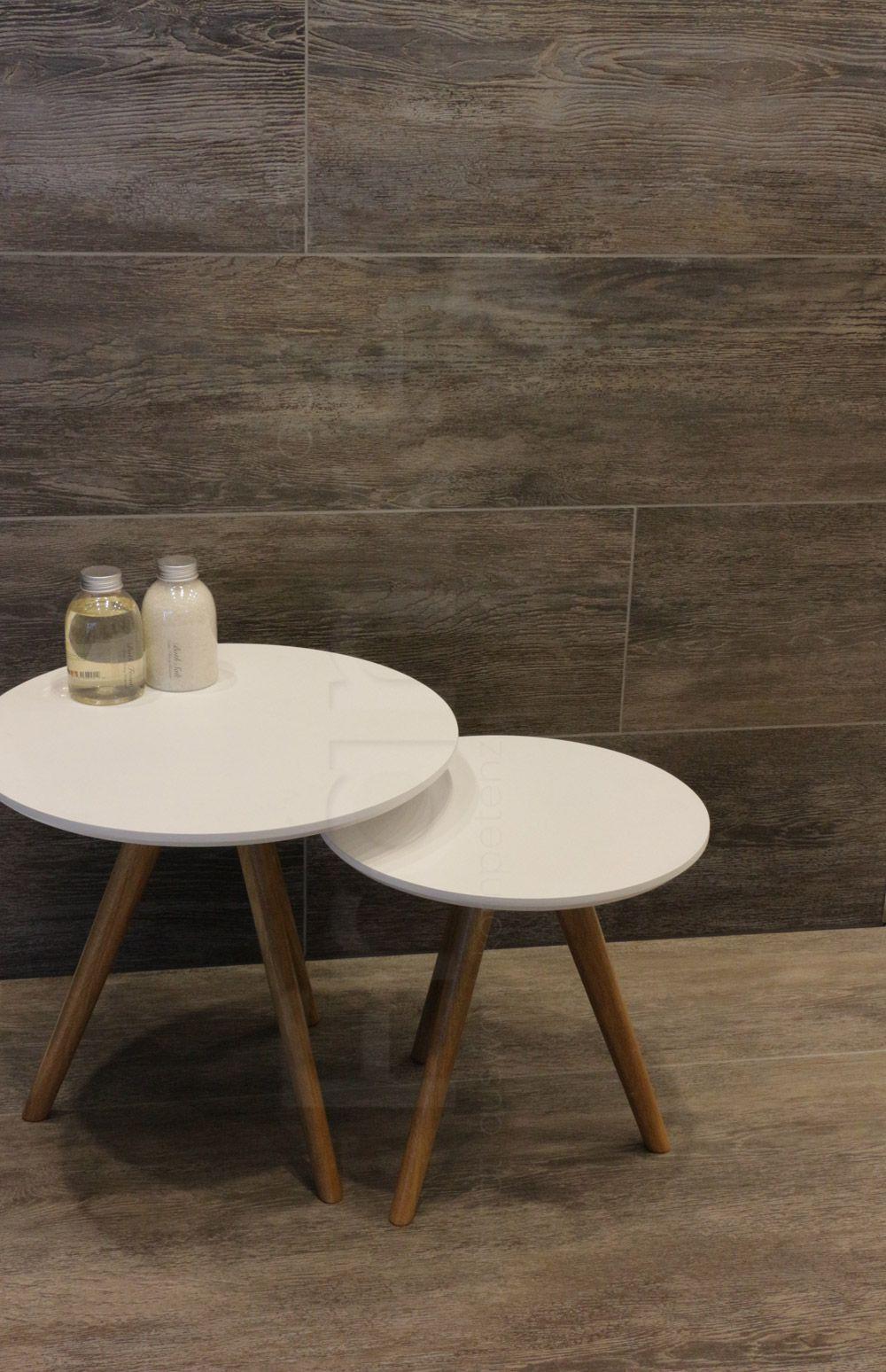 Die neue Oberfläche der Serie Driftwood, zeigt abgenutzes, von der ...