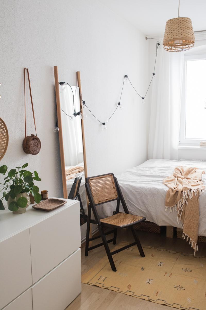 Diy Projekte Fur Die Wohnung Ein Diy Spiegel Zum Anlehnen Und Ein Selbstgemaltes Betthaupt Doitbutdoitnow In 2020 Haus Wohungsdekoration Schlafzimmer Fur Teenager