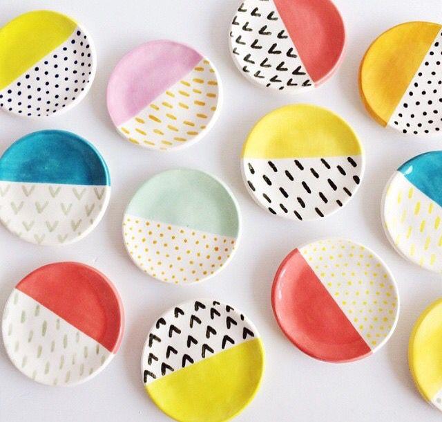 DIY Schmuckschalen mit knalligen Farben und klaren Mustern