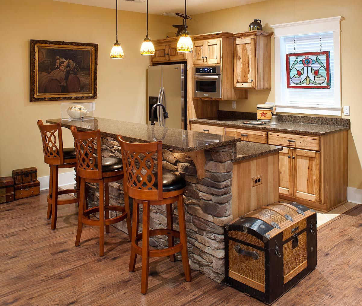 rustic hickory kitchen cabinets rustic hickory pub kitchen design pictures pictures of on kitchen ideas cabinets id=55179