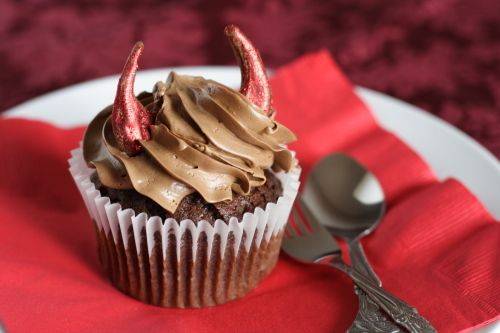 Devil's Food Cupcakes by What the Fruitcake?!