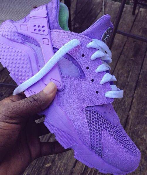 👾💜Neon Purple Nike Air Huaraches