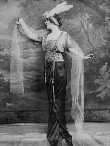 Evening Dress 1913 Photographic Print Art Com In 2020 Fashion Photography Art Art Nouveau Dress Retro Fashion Vintage