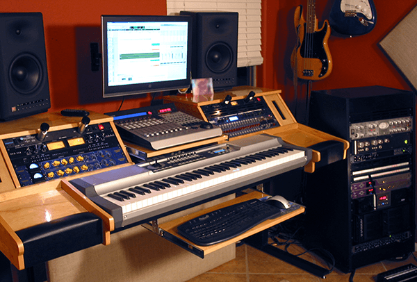 Diy Studio Desk Plans Custom Fit For Your Needs Ledgernote Studio Desk Music Studio Room Home Studio Music