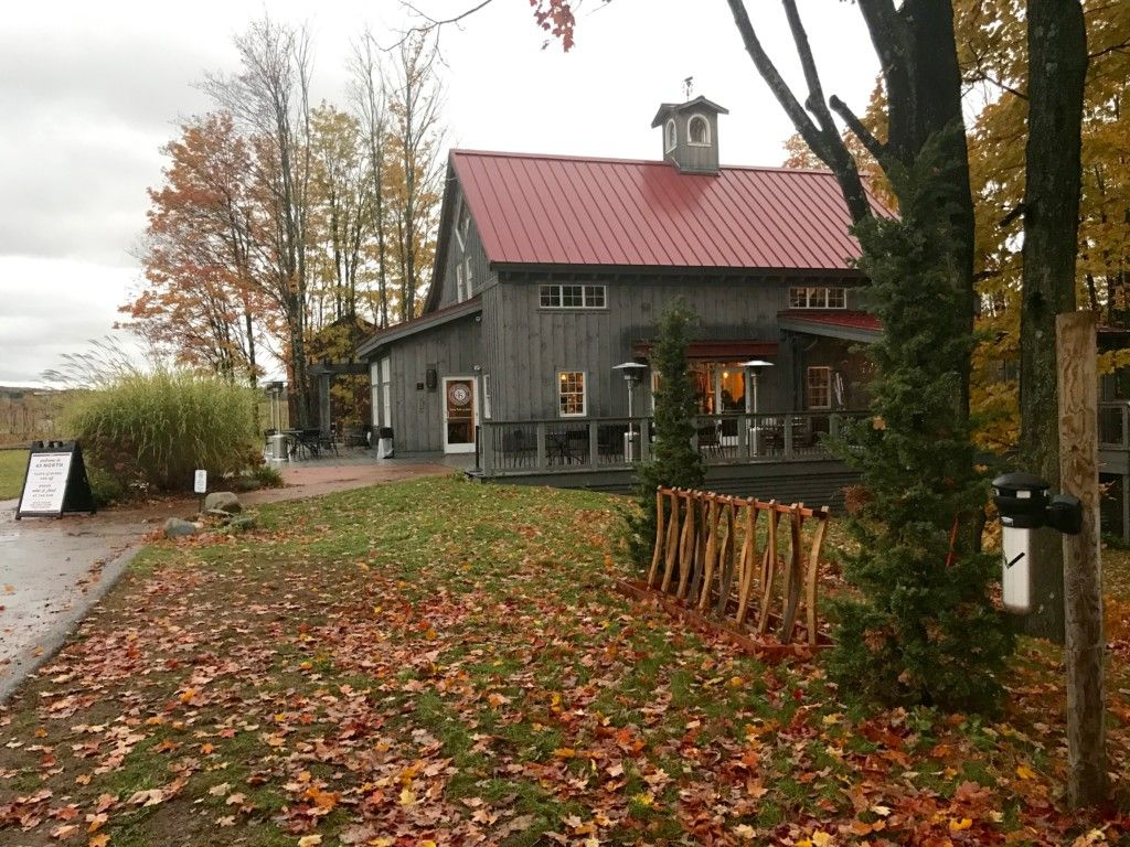 Experiencing Northern Michigan Toast The Season On Leelanau Peninsula Wine Trail