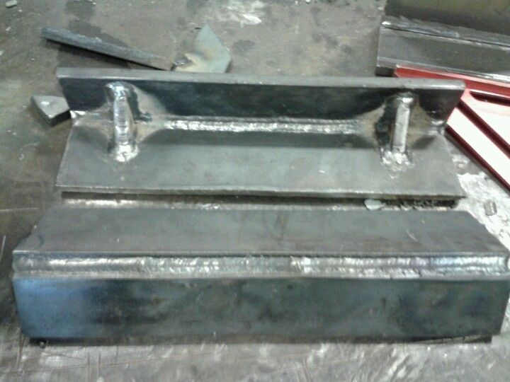 Angle Iron Brace 1 2 Steel Plate If We Dont Have It We Build It Steel Plate Plates Home Decor