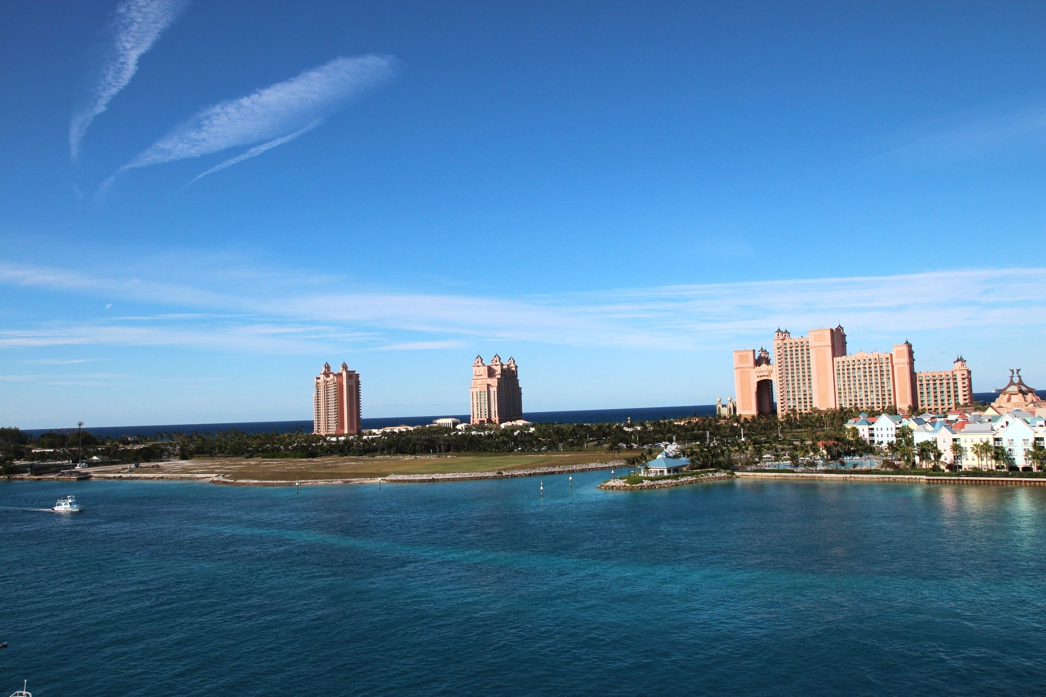 Paradise Island, The Bahamas. Great land of the 75 degrees