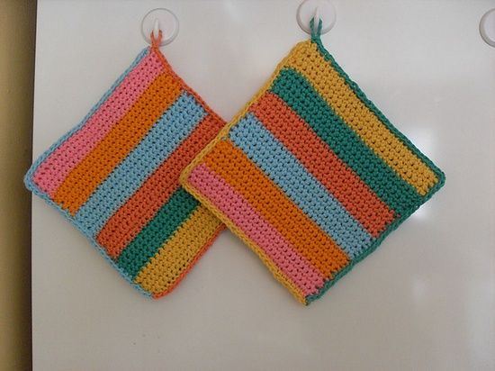 Beginners Crochet Potholder, tutorial by Sandy Marie