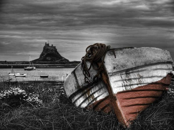 The Boat and The Castle   Color splash photography, Selective color  photography, Color photography