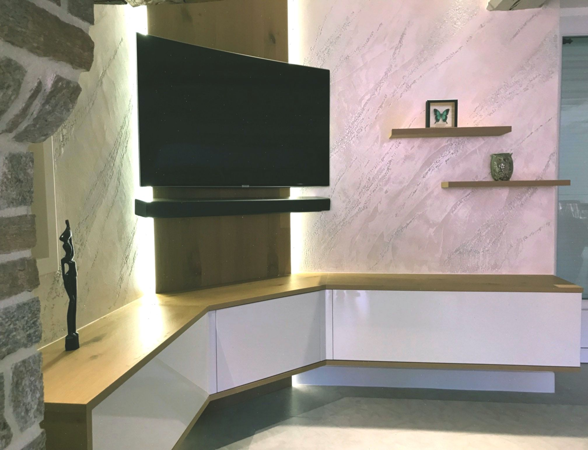 Meuble Tv Suspendu Avec Led A Chateaubriand Angletvcabinet Avec Chateaubriand Homedecor Led Livingroom Meuble Meubletvanglesusp Tv Cabinets Led Cabinet