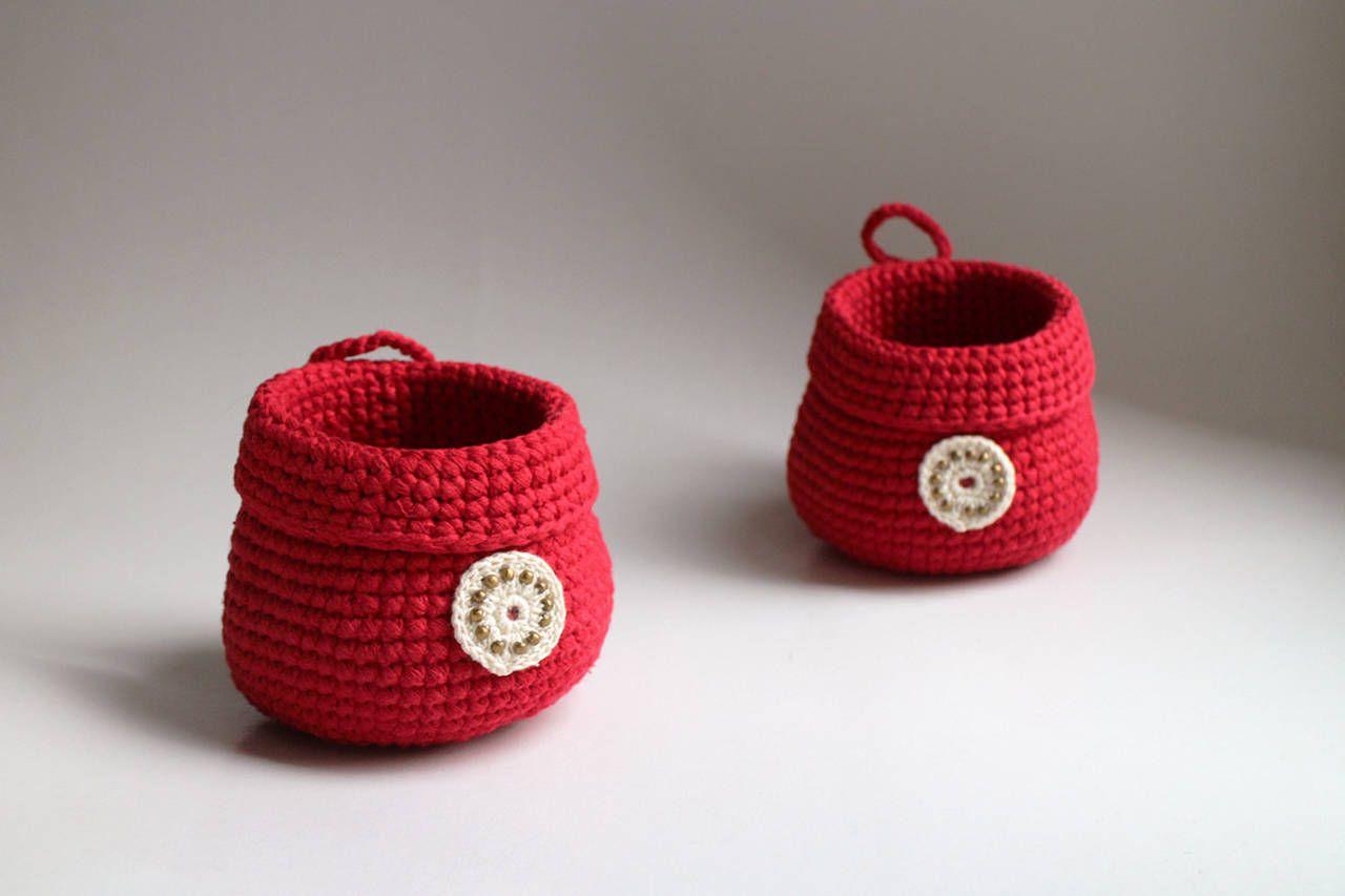 Červený na zavesenie | béžová dekorácia
