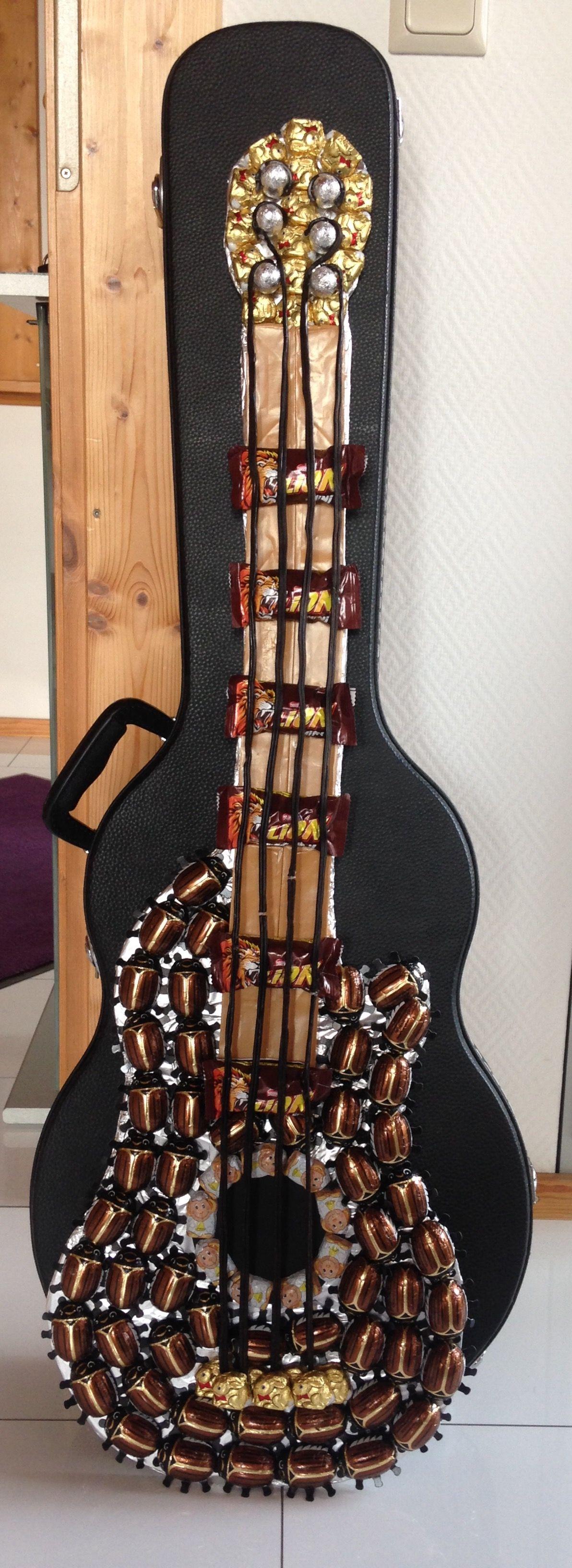 Gitarre Aus Sussigkeiten Als Geburtstagsgeschenk Fur Einen Musiker