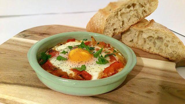 Ellouisa: Piperade - Spaans paprika-tomatenpotje met ei