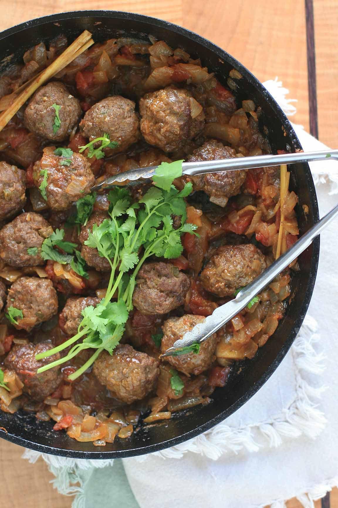 Burmese Meatball Curry Feed Me Pleazzz Burmese Food Curry Food