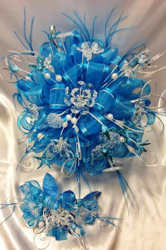 Beautiful quinceanera flower and crystal boquets with masquerade ...