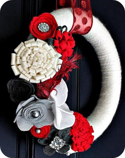 Photo of Fai una ghirlanda di fiori in feltro per le vacanze {Christmas Tutorial} !! – Tatertots e Jello