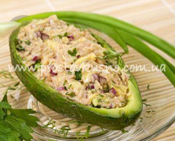 Салат из тунца с авокадо