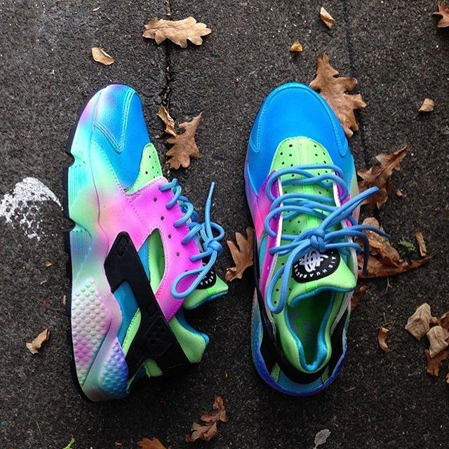 """""""Tie dye summers still online  Huarache  huaraches  huarachetalk"""" Calzado  Nike 44a38d5ac7c4e"""