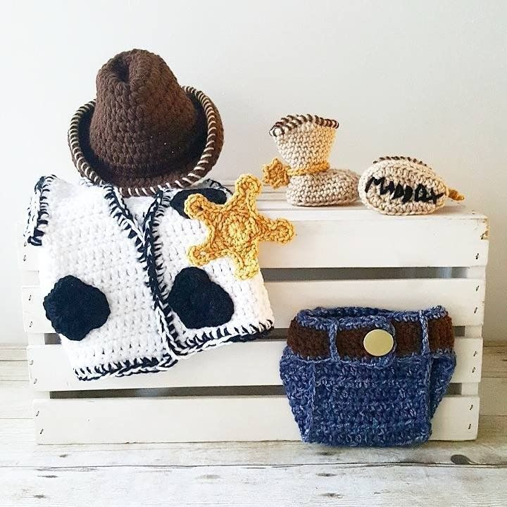 4b9dc0eab99 Crochet Baby Woody Toy Story Set Cowboy Hat Beanie Vest Star Boots Shoes  Diaper Cover Infant Newborn Baby Handmade Photography Photo Prop Baby  Shower Gift ...