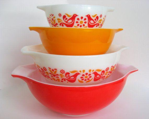 Pyrex Friendship Mixing Bowl Set, 444, 443, 442, 441 White, Red ...