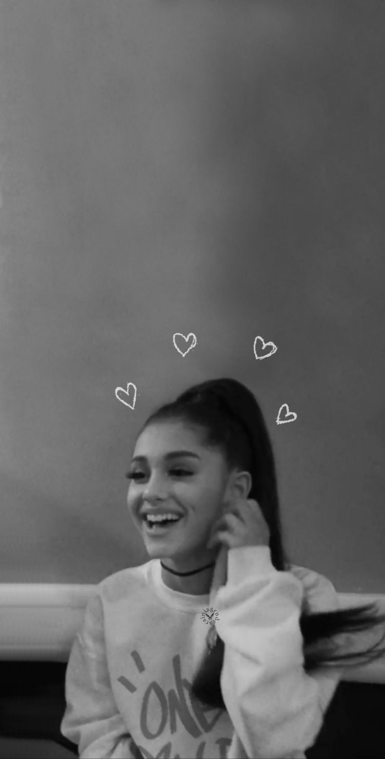 Pin By Nandika🌹 On Aye Queenss Ariana Grande Wallpaper