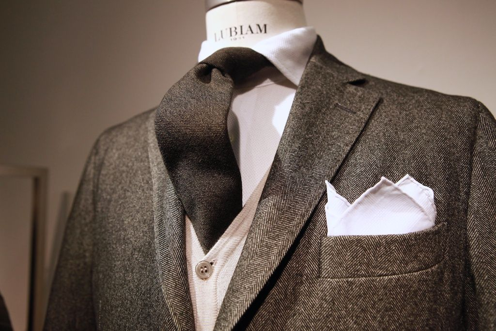 Nice suit with outstanding textures.