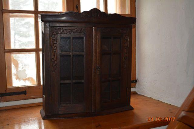 Petite Armoire En Bois Style Antique Commodes Armoires Longueuil Rive Sud Kijiji Kijiji Armoire Storage