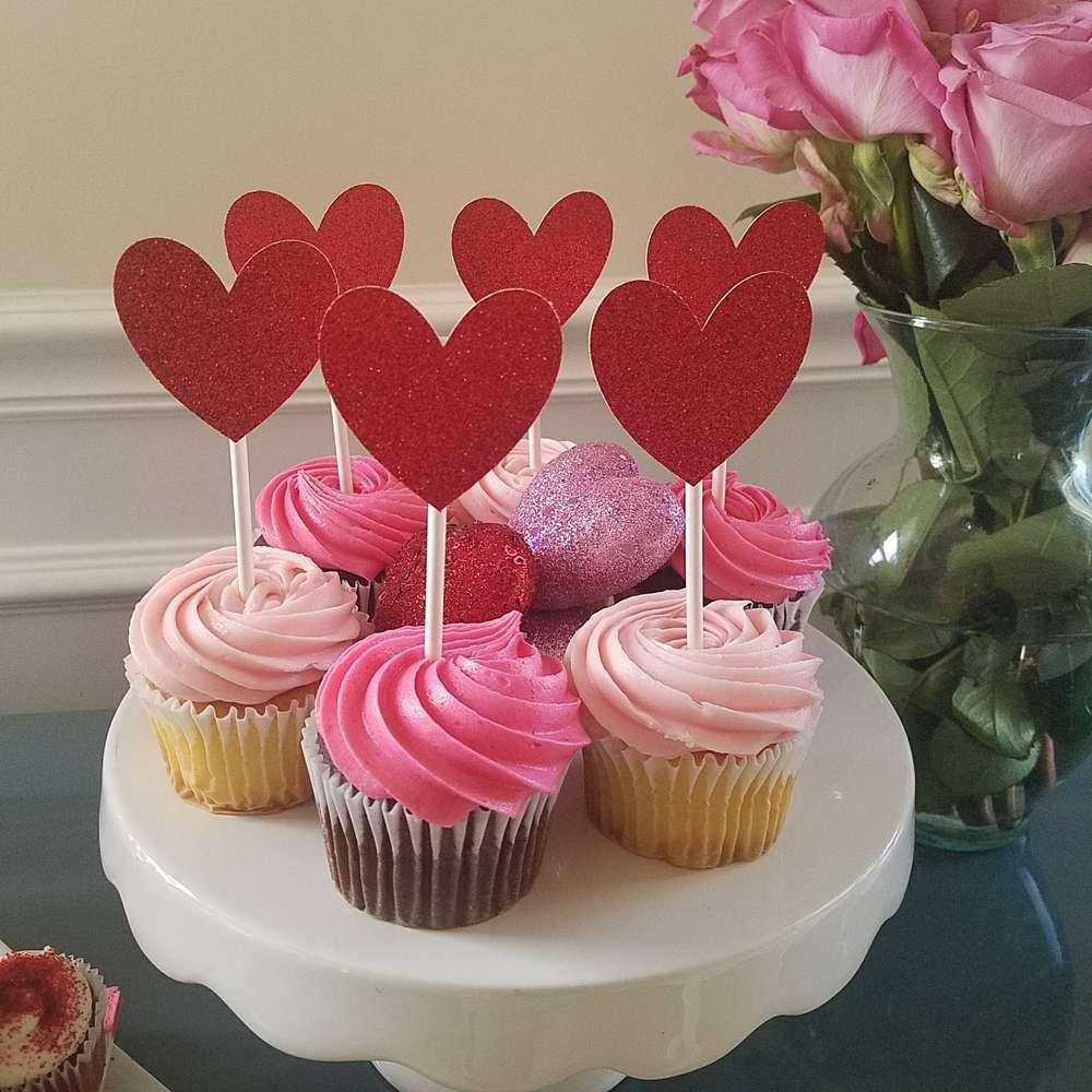 Tell someone you love them with a delicious Valentine's Day cupcake!! See more party ideas and share yours at CatchMyParty.com #catchmyparty #cupcakes #valentinesday