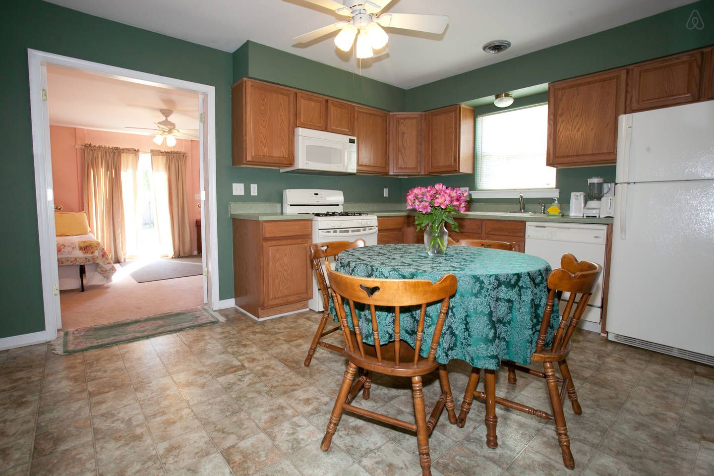 3Bed/2Ba Townhome w/WiFi near UVA~ - vacation rental in Charlottesville, Virginia. View more: #CharlottesvilleVirginiaVacationRentals