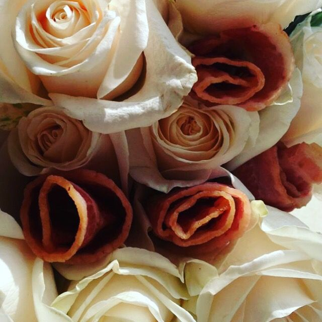 Bacon Roses. Floral arrangements from a 40th Birthday. Beer and ...