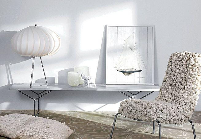 Branco nem sempre é sinônimo de frieza. Se usado em tons de off-white e em materiais com textura (como na foto), é capaz de criar ambientes tranquilizantes e cheios de aconchego    Arquivo / Casa e Jardim