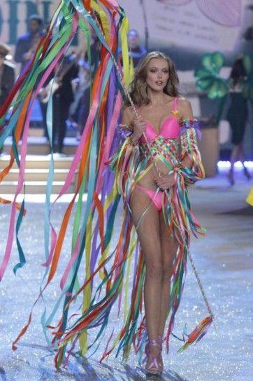 761804addc Victoria s Secret Show 2012 Frida Gustavsson