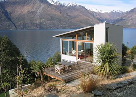 Little bach by Lake Wakatipu, New Zealand. Available to rent ...