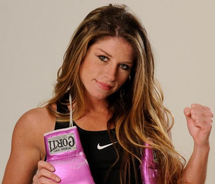 Sampson lewkowicz signs womens three time world champion sampson lewkowicz signs womens three time world champion argentinas carolina duer to a promotional agreement platinumwayz
