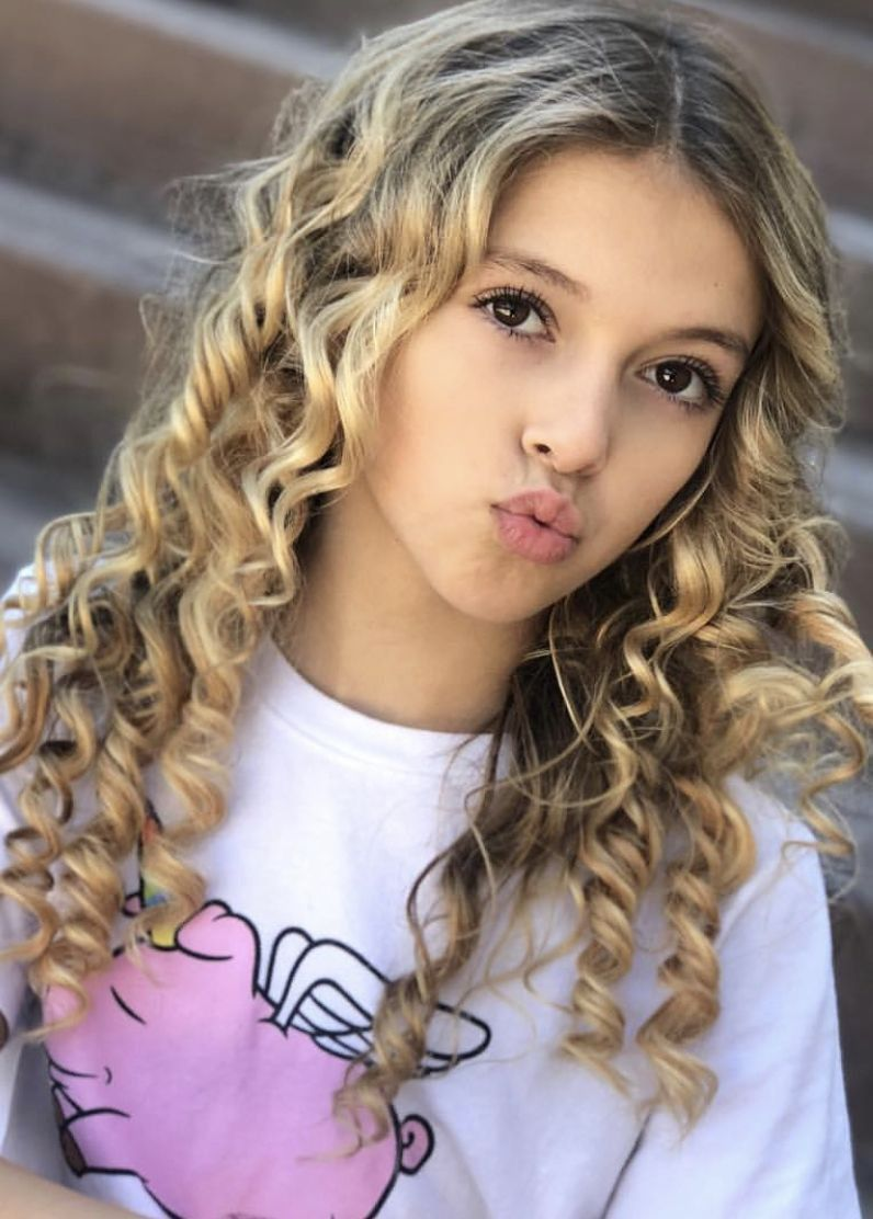 Pin By Kylee Richardson On Coco Quinn Girls Fashion Tween Girl Model Cute Girl Outfits