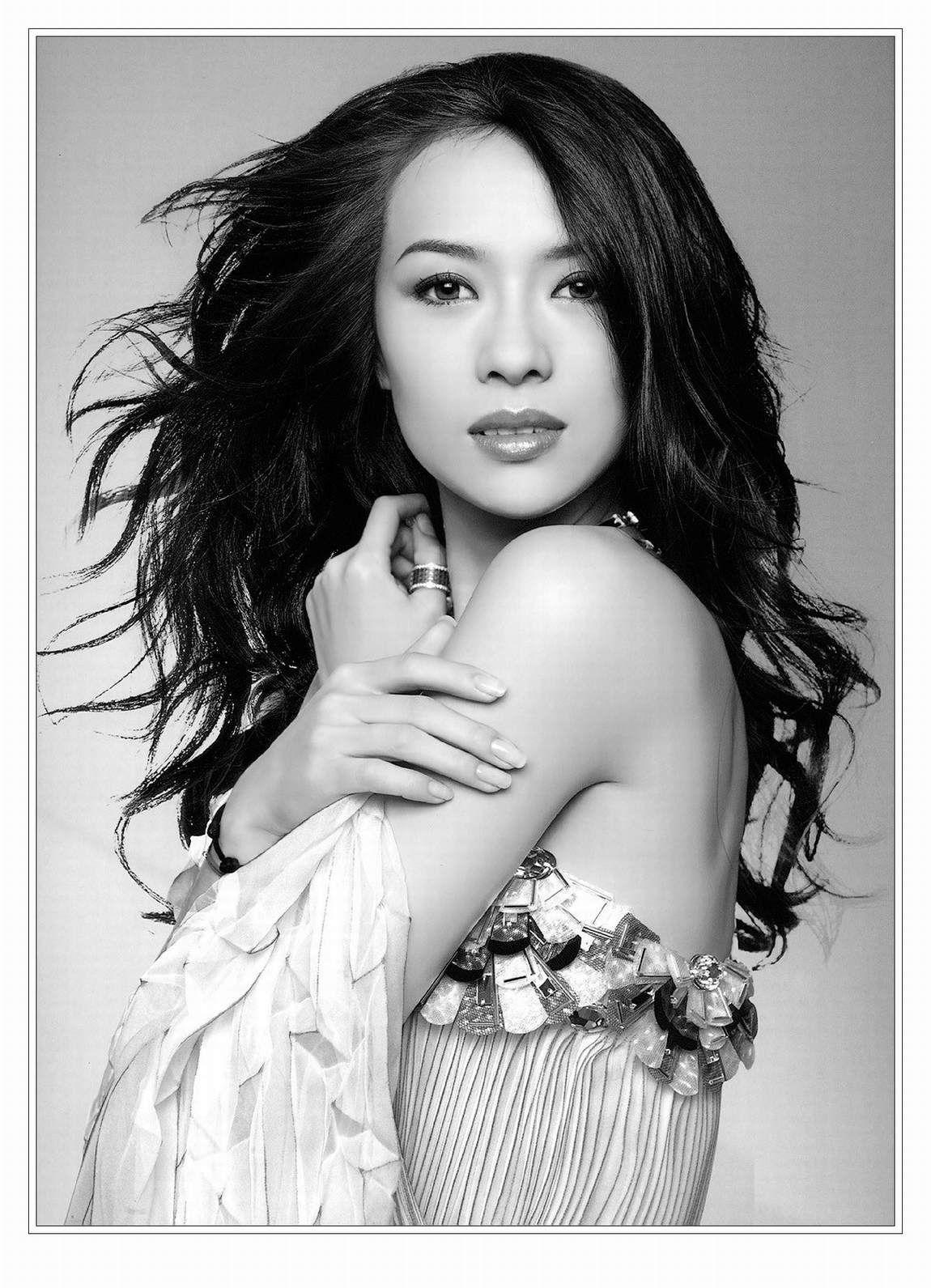 Zhang Ziyi 章子怡   Bridal makeup, Bridal makeup looks, Asian