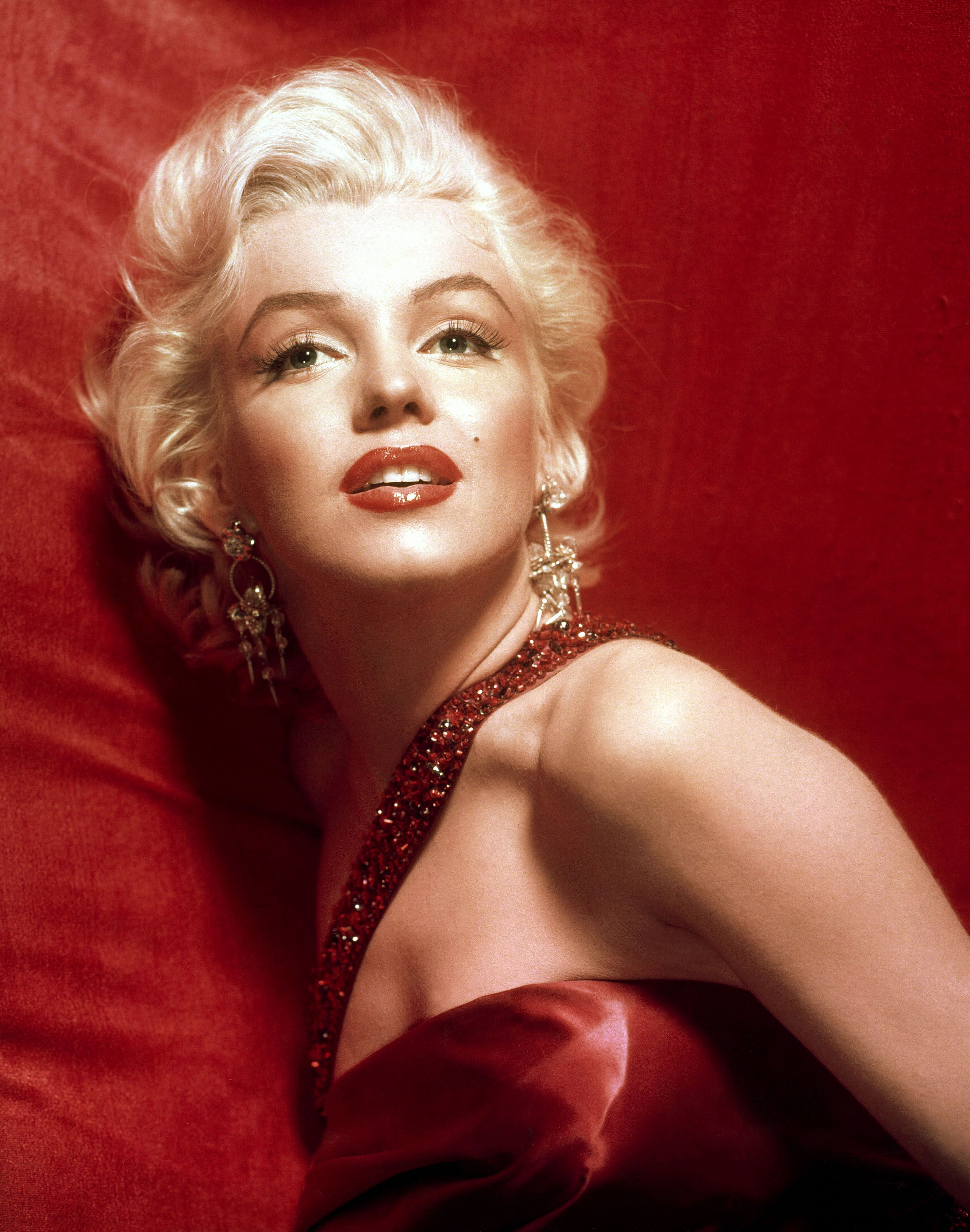 Marilyn Monroe One Of Her Favorite Colors Was Red Beautiful Http