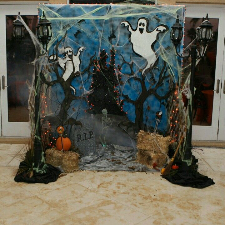 Halloween photo backdrop just show up pinterest - Kids halloween party decoration ideas ...