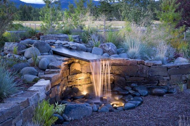 Stützmauer mit Garten Brunnen-selber bauen-naturstein - teich wasserfall modern selber bauen
