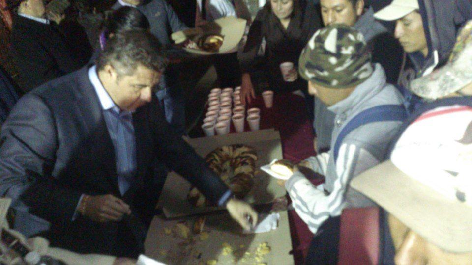 7 de Enero de 2013 - Estamos cumpliendo con la ya tradicional Rosca de Reyes con nuestro compañeros de Aseo Público, aprovechamos para desearles un feliz año y solicitarles a redoblar esfuerzos.