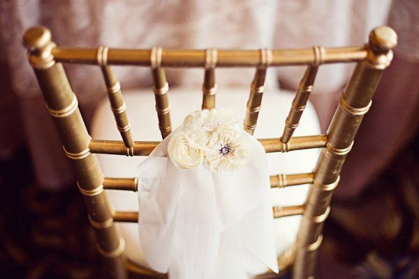 chair accent {Credit: Special Event Rentals} #weddings